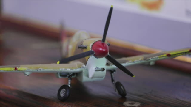 ww2 model airplanes close up pan and focus pull - allied forces stock videos & royalty-free footage
