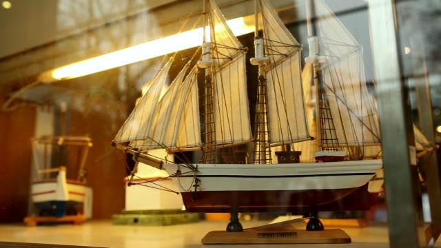 a model boat on display in the maritime museum - レプリカ点の映像素材/bロール