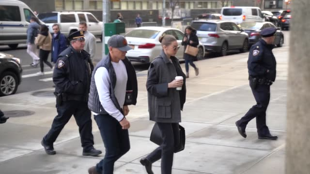 model gigi hadid arrives at manhattan criminal court on january 16, 2020 in new york, usa. hadid has been called as a potential juror in disgraced... - ジジ・ハディッド点の映像素材/bロール