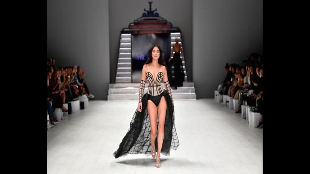 model jessica gomes walks the runway during the jets show at mercedesbenz fashion week resort 19 collections at carriageworks on may 15 2018 in... - australian fashion week stock videos & royalty-free footage