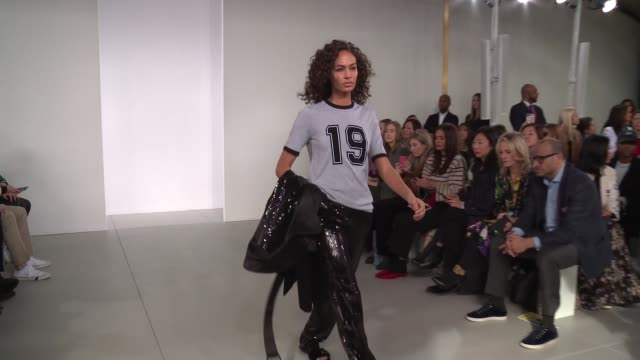 model joan smalls walks the runway at michael kors new york fashion week at vivian beaumont theatre at lincoln center on february 14 2018 in new york... - joan smalls stock videos & royalty-free footage