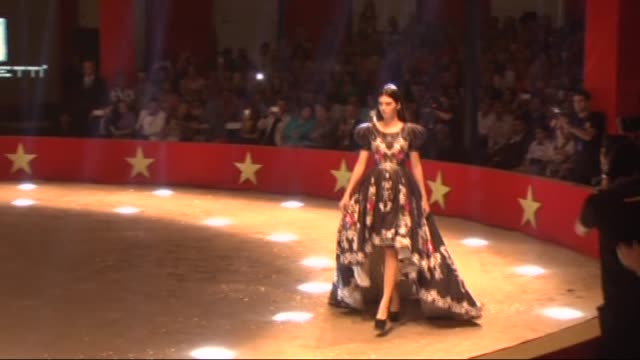 model kendall jenner walks the runway during the 20th dosso dossi fashion show in antalya, turkey on june 09, 2015. - fashion show stock videos & royalty-free footage