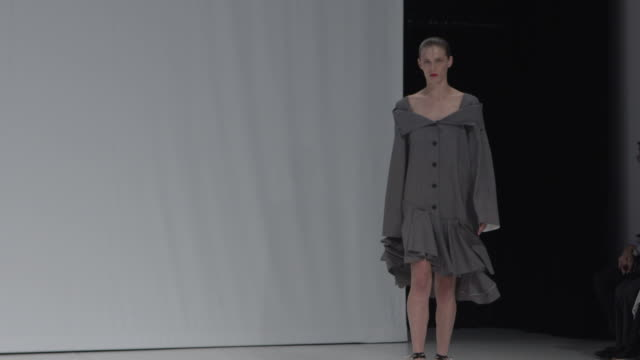 model walk the runway at chalayan lfw september 2018 at sadler's wells theatre on september 16 2018 in london england - catwalk stock videos & royalty-free footage