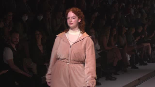 DEU: a lot less by Lena Meyer-Landrut - ABOUT YOU Fashion Week Autumn/Winter 21