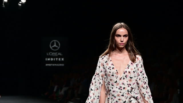 model walks the runway at the roberto torretta fashion show during the mercedes benz fashion week spring/summer 2020 at ifema on july 8, 2019 in... - catwalk stage stock videos & royalty-free footage