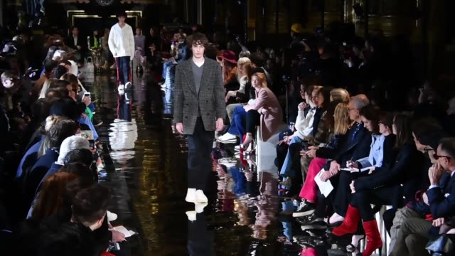 a model walks the runway during the stella mccartney ready to wear fashion show as part of the paris fashion week womenswear fall/winter 2018/2019 on... - stella mccartney marchio di design video stock e b–roll