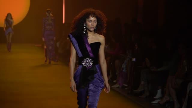 model walks the runway for raisavanessa during new york fashion week at gallery i at spring studios on february 12, 2020 in new york city. - ニューヨークファッションウィーク点の映像素材/bロール