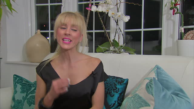 A model who was told to slim down to the bone to get work has delivered a petition to Downing Street calling for better protection of young people in...