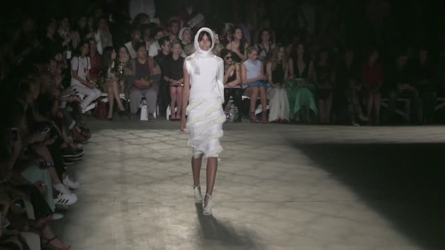 models and designer christian siriano on the runway for the christian siriano spring summer 2016 fashion show in new york city on september 12, 2015... - 既製服点の映像素材/bロール