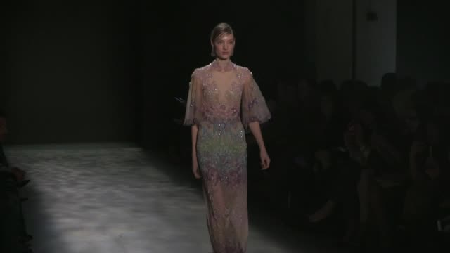 models and designer on the runway for the marchesa ready to wear fall winter 2017 fashion show in new york city on february 15, 2017 in new york, usa. - 既製服点の映像素材/bロール