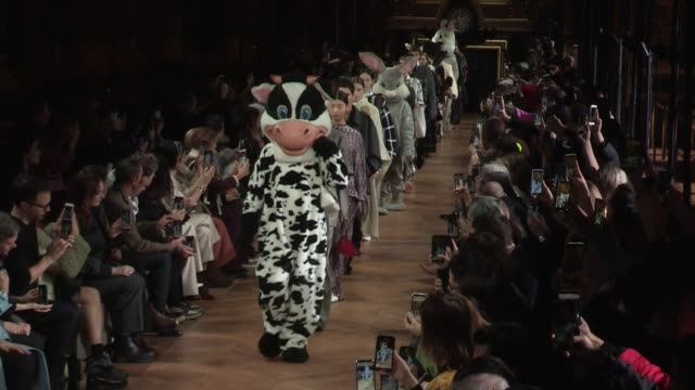 models and designer on the runway for the stella mccartney ready to wear fall winter 2020 fashion show in paris monday 2nd march 2020 paris france - stella mccartney marchio di design video stock e b–roll