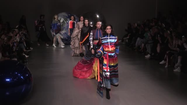 vídeos de stock, filmes e b-roll de models and designers fyodor podgorny and golan frydman on the runway for the fyodor golan ready to wear fall winter 2018 fashion show in london... - 2018