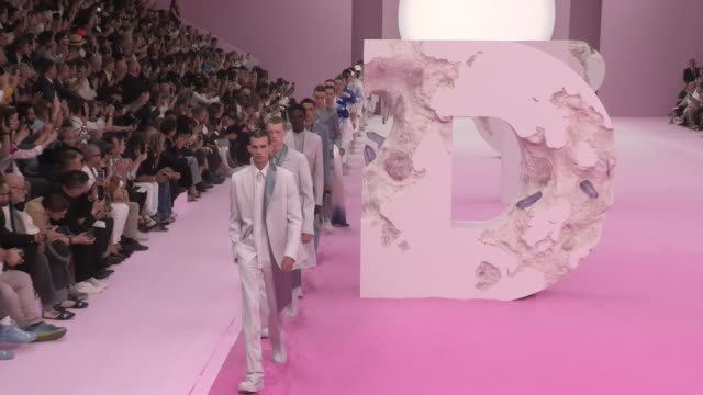 models on the runway for the dior spring summer 2020 menswear fashion show in paris paris france on friday june 21 2019 - spring summer collection stock videos & royalty-free footage
