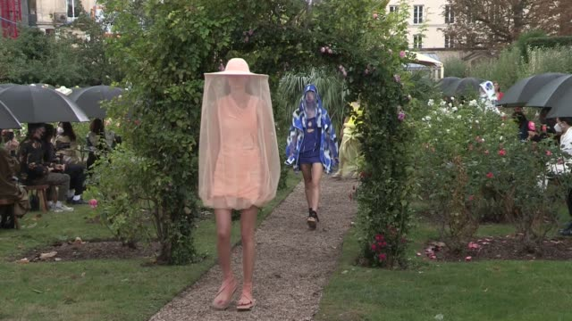 models on the runway for the kenzo ready to wear fashion show 2020 in paris - paris fashion week stock videos & royalty-free footage