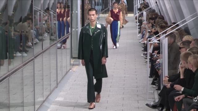 stockvideo's en b-roll-footage met models on the runway for the lacoste ready to wear spring summer 2020 fashion show in paris paris france on tuesday october 1st 2019 - modeweek