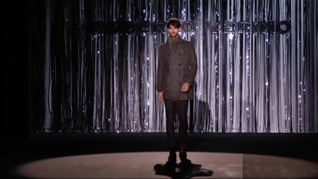 models present a creation by spanish designer roberto verino's autumn-winter 2015-2016 fashion collection at the mercedes benz fashion week madrid at... - 2015 stock-videos und b-roll-filmmaterial