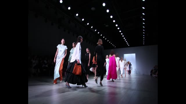 models rehearse for the pereira fitzgerald show at mercedesbenz fashion week resort 19 collections at carriageworks on may 15 2018 in sydney australia - australian fashion week stock videos & royalty-free footage