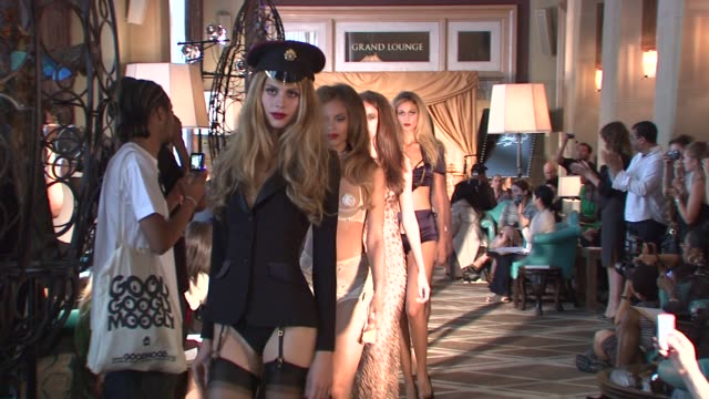 vidéos et rushes de models walk runway at the agent provocateur lingerie show at the agent provocateur soir_e fashion show runway and backstage at new york ny - lingerie féminine
