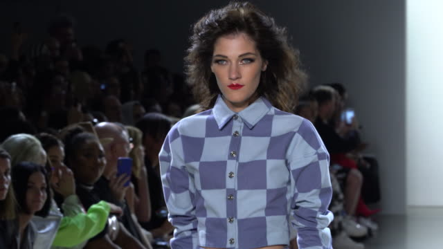 models walk the runway at christian cowan - runway - september 2018 - new york fashion week: the shows at gallery ii at spring studios on september... - ニューヨークファッションウィーク点の映像素材/bロール