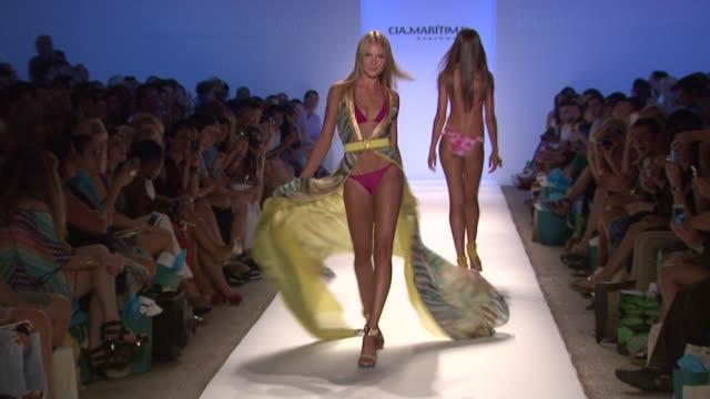 vídeos y material grabado en eventos de stock de models walk the runway at ciamaritima mbfw miami swim 2013 at cabana grande on july 21 2012 in miami florida - semana de la moda mercedes benz