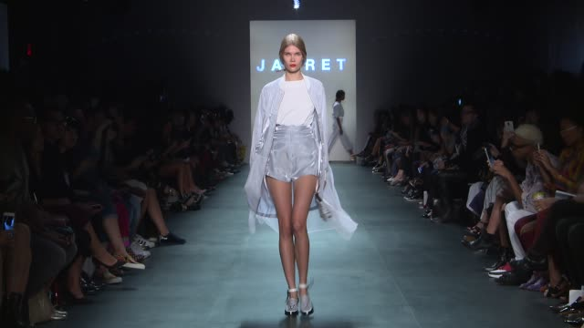 stockvideo's en b-roll-footage met models walk the runway at concept korea new york fashion week s/s 2016 at the dock skylight at moynihan station on september 14 2015 in new york city - concept korea mode