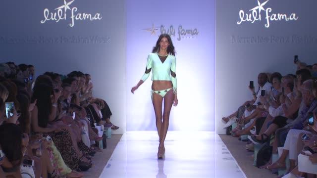 vídeos y material grabado en eventos de stock de models walk the runway at luli fama mercedesbenz fashion week swim 2015 at cabana grande at the raleigh hotel on july 20 2014 in miami florida - semana de la moda mercedes benz