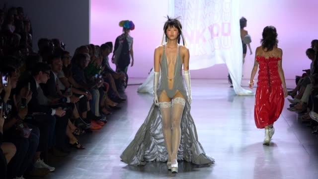 models walk the runway at risd runway september 2019 nyfw at gallery i at spring studios on september 11 2019 in new york city - september 2019 nyfw点の映像素材/bロール