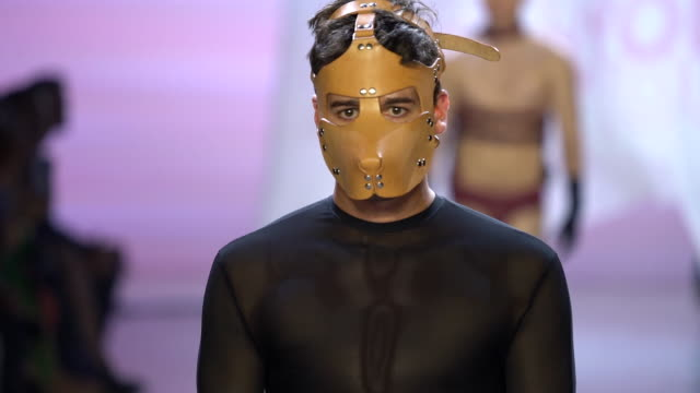 models walk the runway at risd - runway - september 2019 nyfw at gallery i at spring studios on september 11, 2019 in new york city. - arts culture and entertainment stock videos & royalty-free footage