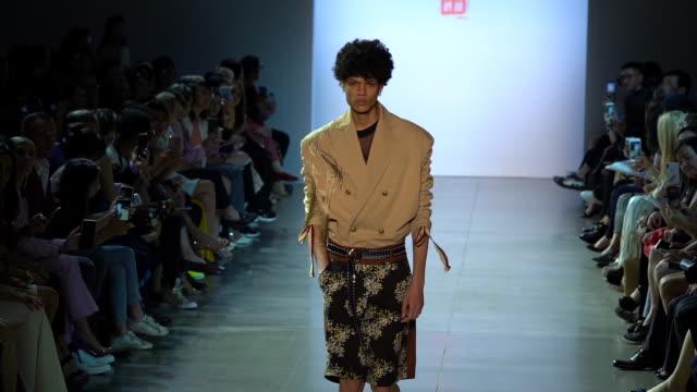 models walk the runway at taoray taoray runway september 2019 nyfw at gallery ii at spring studios on september 11 2019 in new york city - september 2019 nyfw点の映像素材/bロール