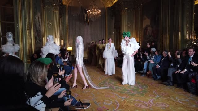 models walk the runway at the finale of the juana martin haute couture spring/summer 2020 show as part of paris fashion week on january 23, 2020 in... - paris fashion week - haute couture spring/summer 2020点の映像素材/bロール