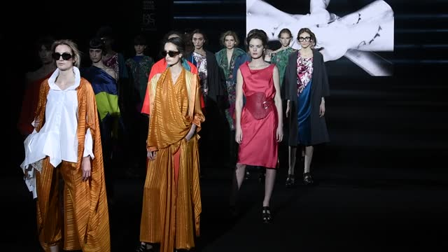 models walk the runway at the ulises merida fashion show during mercedes benz fashion week madrid april 2021 at ifema on april 10, 2021 in madrid,... - fashion show stock videos & royalty-free footage