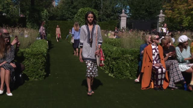 Models walk the runway at Tory Burch New York Fashion Week Spring 2018 at Cooper Hewitt Smithsonian Design Museum on September 08 2017 in New York...