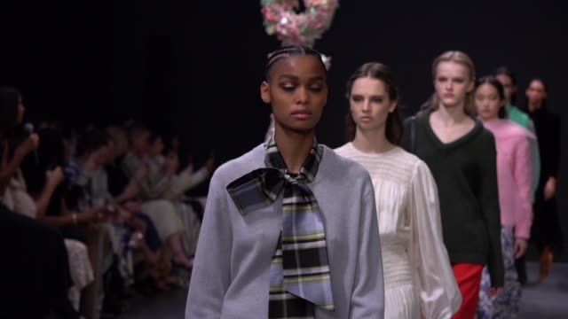 models walk the runway at tory burch - nyfw - february 2020 at sotheby's on february 09, 2020 in new york city. - new york fashion week stock videos & royalty-free footage