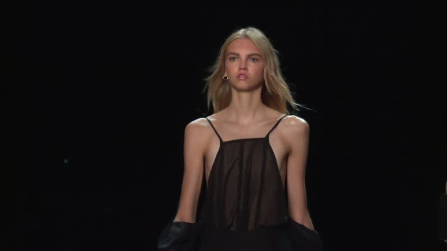 Models walk the runway at Vera Wang September 2016 New York Fashion Week at The Arc Skylight at Moynihan Station on September 13 2016 in New York City