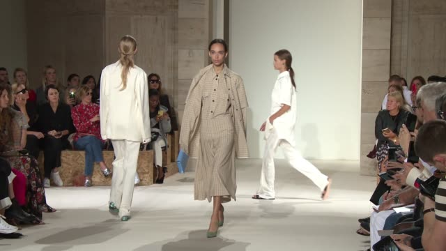 models walk the runway at victoria beckham - new york fashion week - spring 2018 at cipriani 25 broadway on september 10, 2017 in new york city. - runway stock videos & royalty-free footage