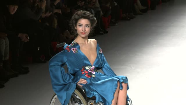 models walk the runway during ftl moda - fall 2015 mercedes-benz fashion week at the salon at lincoln center on february 15, 2015 in new york city. - 既製服点の映像素材/bロール
