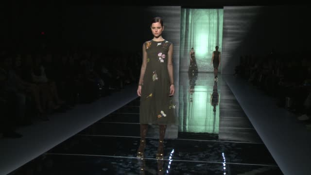 models walk the runway during nicole miller - fall 2015 mercedes-benz fashion week at the salon at lincoln center on february 13, 2015 in new york... - 既製服点の映像素材/bロール