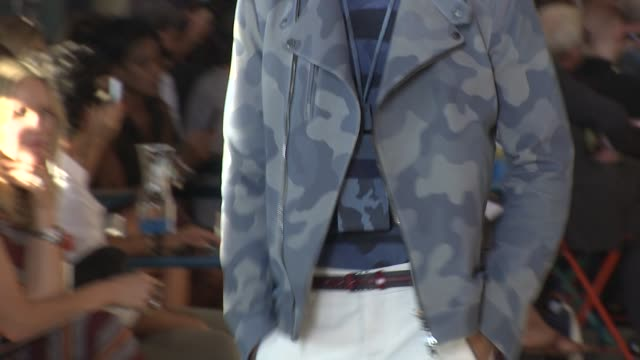 vídeos de stock, filmes e b-roll de models walk the runway wearing tommy hilfiger spring 2012 during mercedes-benz fashion week spring 2012 at the tommy hilfiger - spring 2012... - tommy hilfiger grife de moda