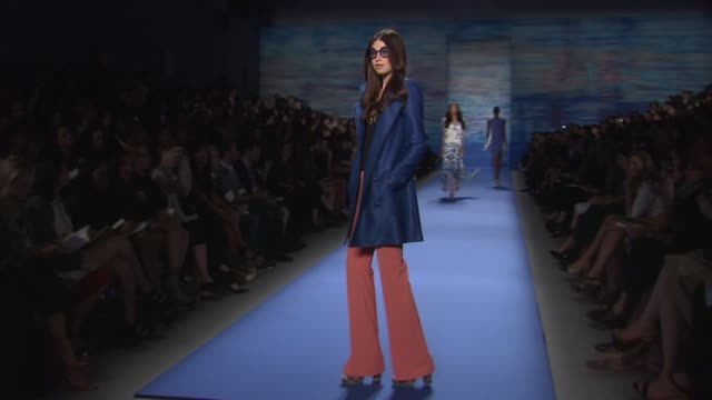 models walk the runway wearing tracy reese spring 2011 collection during mercedesbenz fashion week spring 2011 at the tracy reese spring 2011 mbfw at... - mercedes benz fashion week stock videos & royalty-free footage
