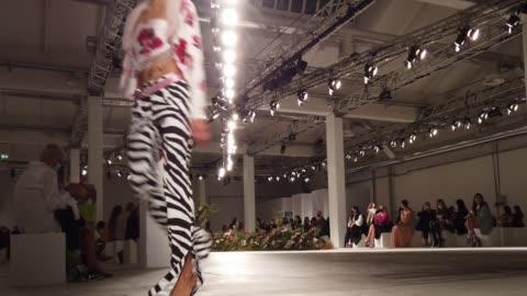 models walks the runway at the blumarine fashion show during the milan women's fashion week on september 23, 2020 in milan, italy. - sfilata di moda video stock e b–roll