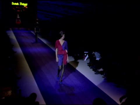 models wearing betsey johnson fall 2006 at the olympus fashion week fall 2006 betsey johnson backstage and runway at the promenade, bryant park in... - オリンパスファッションウィーク点の映像素材/bロール