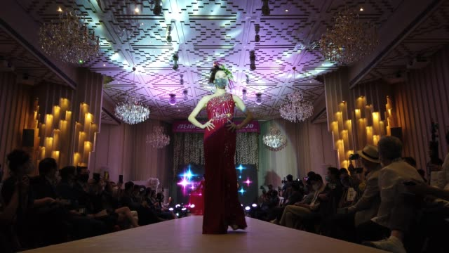 models wearing face mask walk the runway during the 2020 korea mask fashion show amid coronavirus pandemic at the riverside hotel on july 24, 2020 in... - fashion show stock videos & royalty-free footage
