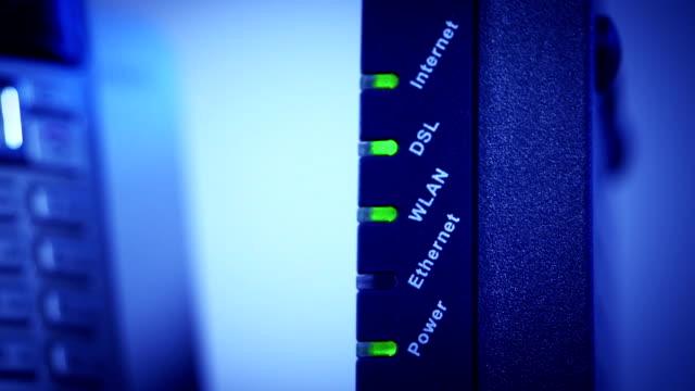 モデム - wireless technology点の映像素材/bロール