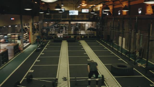 モダンなジムや - 体育館点の映像素材/bロール