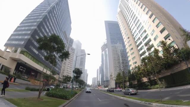 vídeos de stock, filmes e b-roll de modern area of mexico city buildings - ocidentalização