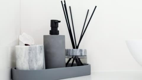 vídeos y material grabado en eventos de stock de detalle de baño moderno - decoración del hogar - decoración objeto