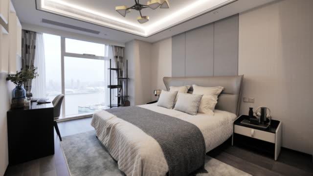 vidéos et rushes de modern bedroom - lit ameublement
