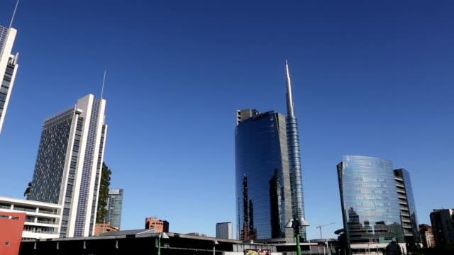 vidéos et rushes de centre financier moderne à milan, italie - quartier résidentiel