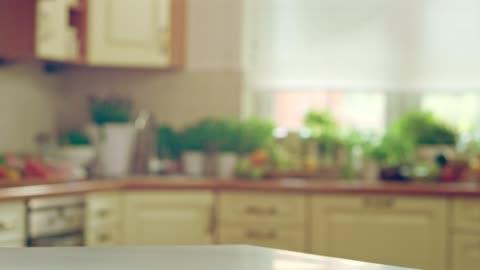 vídeos y material grabado en eventos de stock de fondo de cocina moderna - cocina electrodomésticos