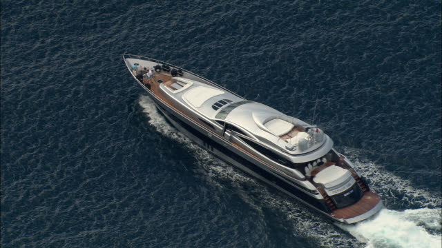 stockvideo's en b-roll-footage met aerial modern luxury yacht on the mediterranean/ saint-tropez, france - jachtvaren